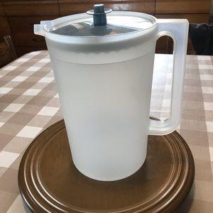 Tupperware pitcher, 1 gallon new condition